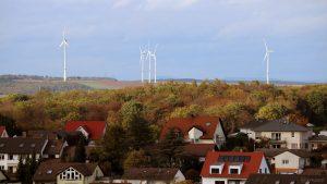 Blick von Eisingen auf die Windräder zwischen Greußenheim und Margetshöchheim am 11. Oktober 2019