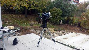 Meade-Teleskop mit montierter Canon EOS 600D während des Merkurtransits am 11. November 2019