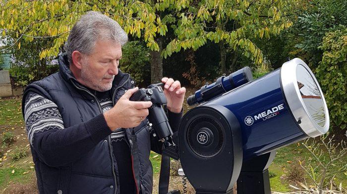 Artur Schmitt am Teleskop während des Merkurtransits am 11. November 2019 um 13:24 Uhr