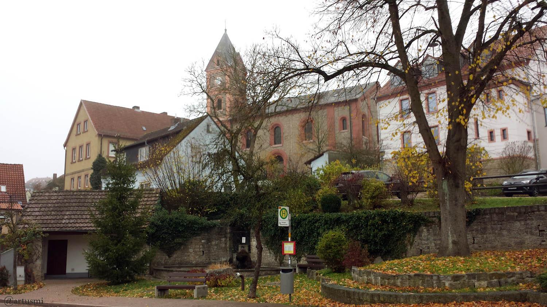 Dorfbrunnen in Eisingen am 20. November 2019