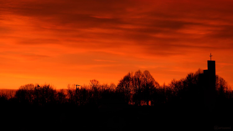 Morgenrot in Eisingen am 11. Dezember 2019 um 07:57 Uhr