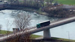 Mainbrücke unterhalb der Staustufe Goßmannsdorf am 26. März 2020