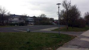 Gesperrter Rollschuhplatz in Eisingen am 29. März 2020