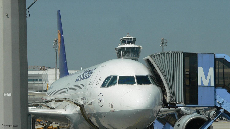 Flugzeug der Lufthansa am Airport München