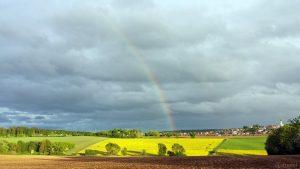 Regenbogen bei Kist am 30. April 2020 um 19:44 Uhr