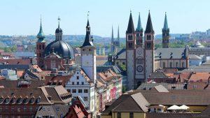 Neumünster, Grafeneckart und Kiliansdom in Würzburg am 18. Mai 2020