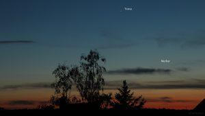 Venus und Merkur am 18. Mai 2020 um 21:49 Uhr am Nordwesthimmel von Eisingen