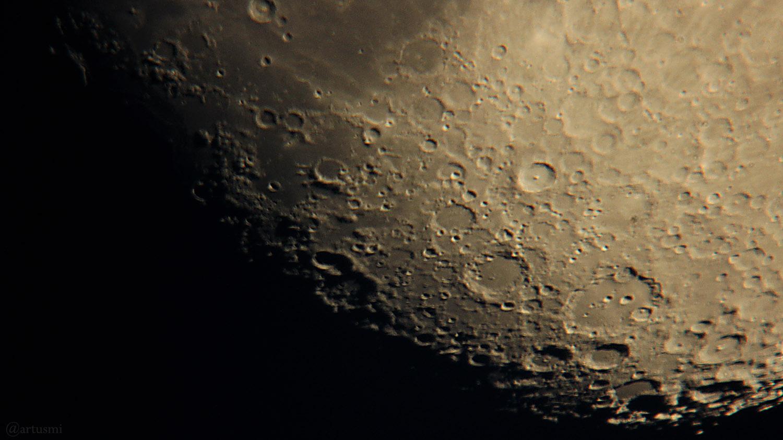 Mondsüdpol am 1. Juni 2020 um 21:27 Uhr