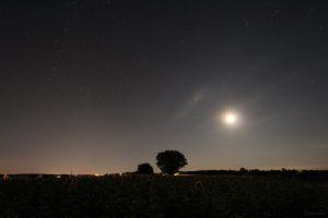 Mond am 12. Juli 2020 um 02:51 Uhr drei Grad südlich von Mars