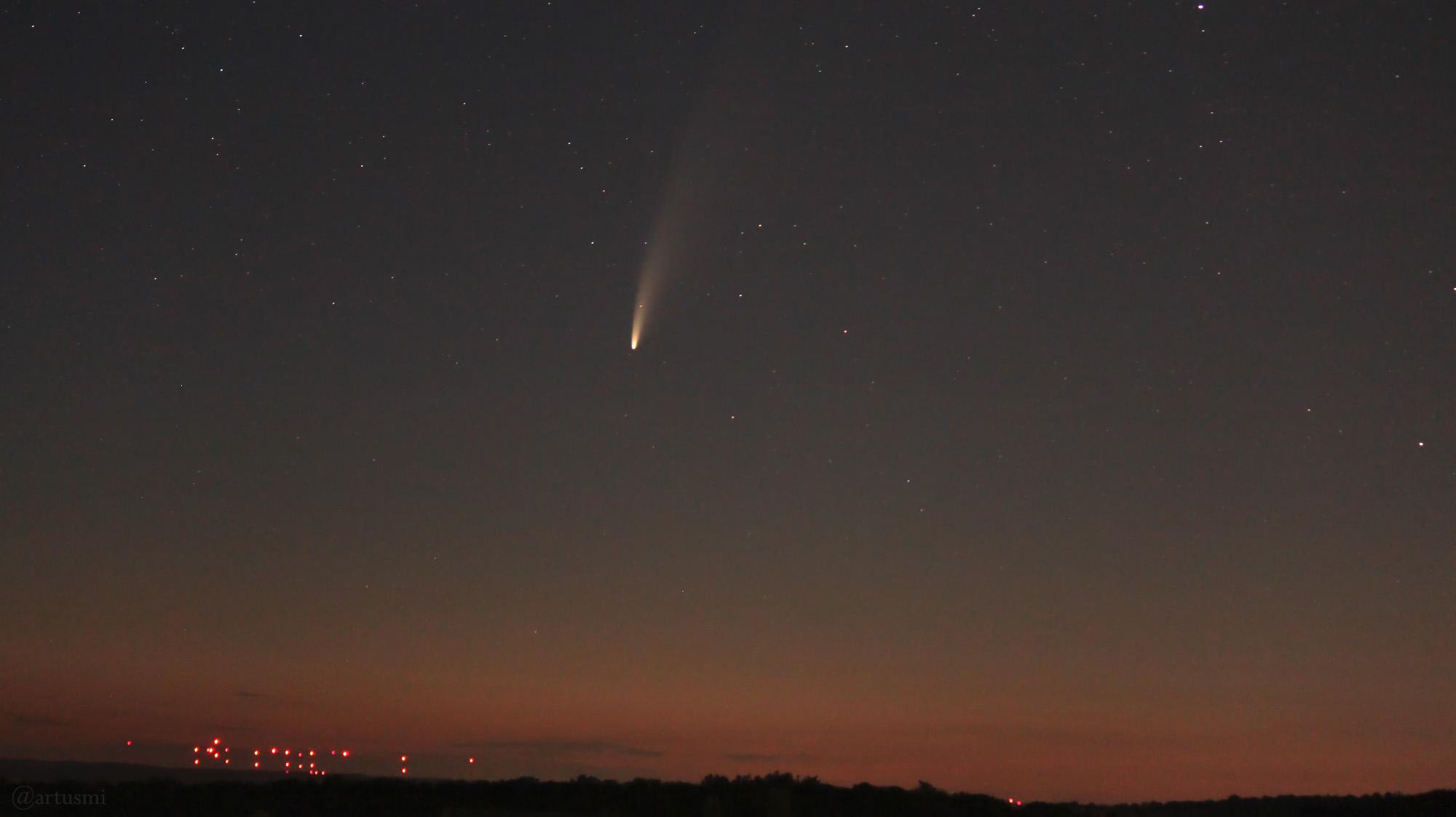 Komet C/2020 F3 (NEOWISE) am 12. Juli 2020 um 03:00 Uhr am Nordosthimmel von Eisingen