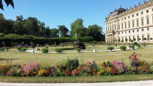 Hofgarten und Teil der Residenz in Würzburg am 30. Juli 2020