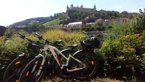 Mit dem Fahrrad in Würzburg am Main am 5. August 2020