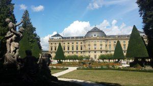 Hofgarten und Residenz in Würzburg am 2. September 2020