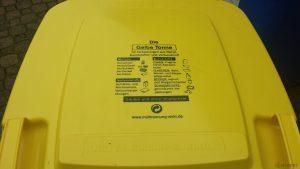 Beschrifteter Deckel der Gelben Tonne