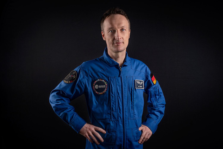 Offizielles Porträt des deutschen ESA-Astronauten Matthias Maurer vom 19. November 2020