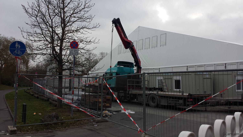 Zentrales Impfzentrum auf der Talavera in Würzburg am 11. Dezember 2020