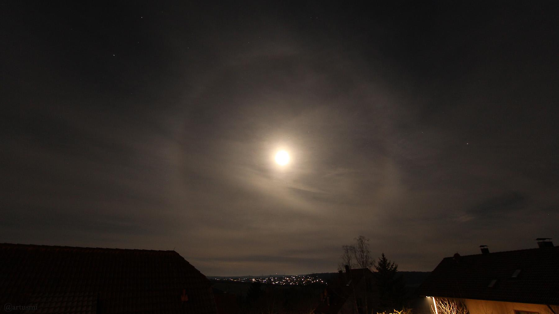 Mondhalo am 31. Dezember 2020 am Westhimmel von Eisingen