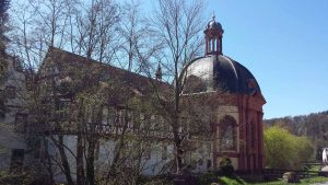 Klosterkirche Holzkirchen im Landkreis Würzburg am 26. April 2021