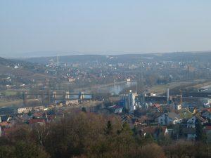 Blick über Goßmannsdorf auf Ochsenfurt am Main