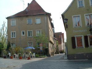 Blick von der Brückenstraße in Ochsenfurt in die Spitalgasse