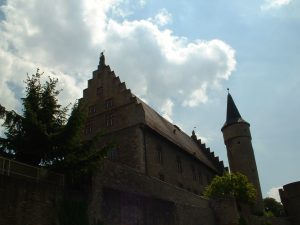 Palatium und Nikolausturm am Stadtgraben in Ochsenfurt