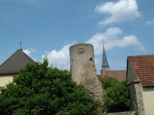 Turm am Stadtgraben in Ochsenfurt am 16. Mai 2003