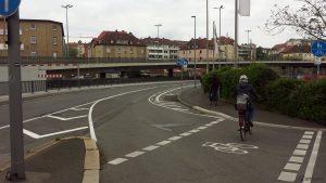 Radweg Höhe Realmarkt in der Nürnberger Straße in Würzburg