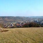 Blick von der Grotte auf Goßmannsdorf am Main