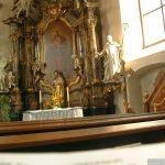 Seitenaltar der katholischen Pfarrkirche St. Johannes der Täufer