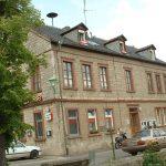 Ehemaliges Schulgebäude und Rathaus in Goßmannsdorf am Main