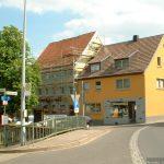 Ehemaliger Gasthof Zum Weißen Roß und ehemalige Metzgerei Weihnacht in Goßmannsdorf am Main