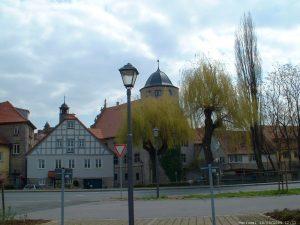 Hafenstraße Einmündung Adam-Fuchs-Straße in Marktbreit im April 2004