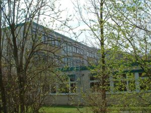Gymnasium Marktbreit im April 2004