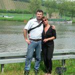 Artur und Mäggi Schmitt an der Schleuse Goßmannsdorf