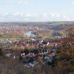 Blick vom Alten Berg auf Goßmannsdorf und Ochsenfurt am Main