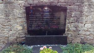 Grabstein der Familie Gehling in Goßmannsdorf am Main