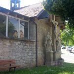 Kreuzigungsgruppe an der Aussegnungshalle des dritten Friedhofs in Goßmannsdorf am Main - stand ursprünglich am oberen Turm