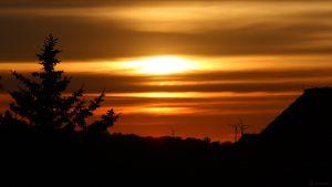 Spätester Sonnenuntergang am Sommeranfang, 21. Juni 2021