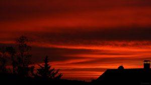 Abendrot nach dem Sonnenuntergang am 21. Juni 2021