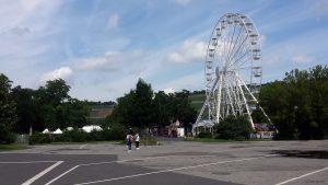 Riesenrad am Kiliani-Sommergarten auf den Mainwiesen in Würzburg