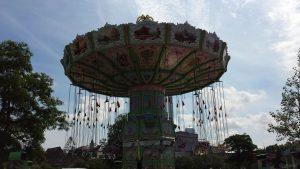 Karusell auf dem Kiliani-Sommergarten am 10. Juli 2021 auf den Mainwiesen in Würzburg