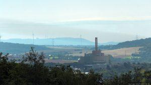 Blick vom Würzburger Schalksberg Richtung Zweckverband Abfallwirtschaft Raum Würzburg und Schwanberg