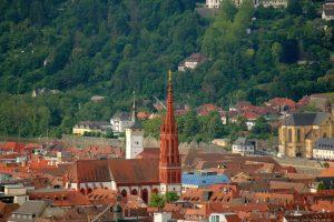 Blick vom Würzburger Schalksberg auf die Marienkapelle