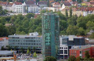 Blick vom Würzburger Schalksberg auf das GHOTEL hotel & living Würzburg