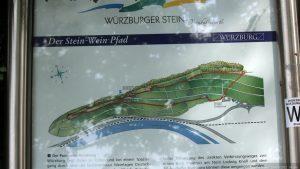 Infotafel Stein-Wein-Pfad am Würzburger Stein in Würzburg