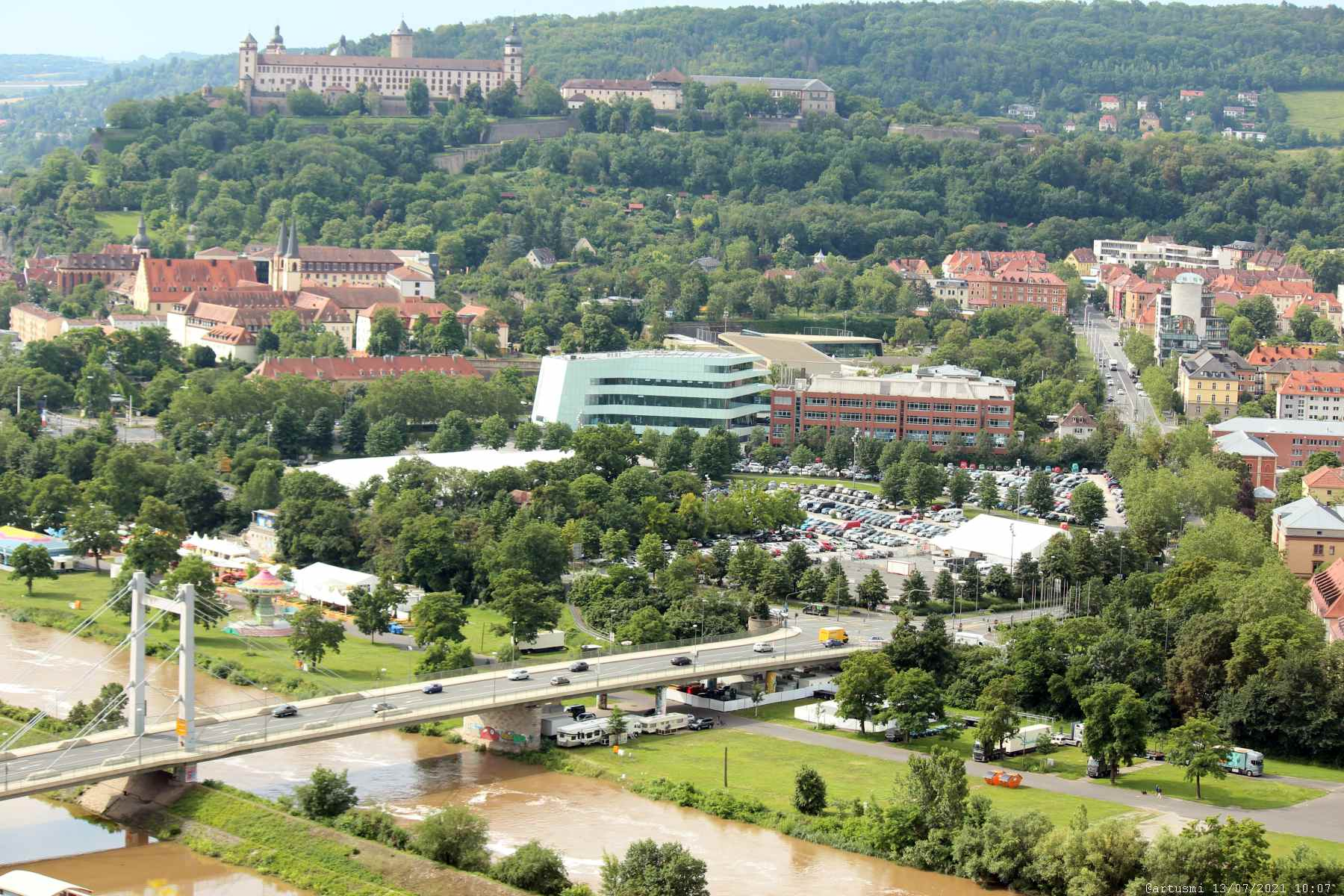 Blick vom Würzburger Stein auf Brücke Deutscher Einheit und Talavera