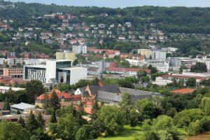 Blick vom Würzburger Stein auf die Feuerwehrschule und Kloster Himmelspforten