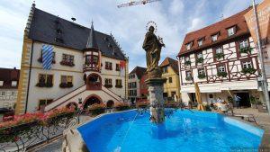 Brunnen am Marktplatz in Volkach