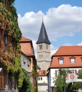 Turm der kath. Pfarrkirche St. Stephan in Randersacker