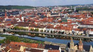 Blick von der Festung Marienberg auf die Würzburger Altstadt